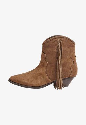 Stivaletti - brown