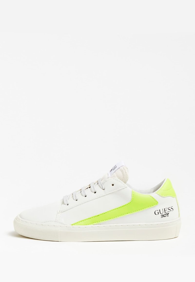 Guess - SNEAKER LUISS BANDE CONTRASTANTE (35-38) - Trainers - blanc
