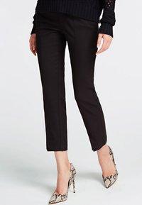 Guess - SOLEDAD - Pantalon classique - black - 0