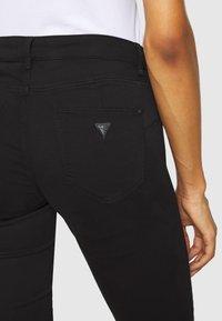Guess - CURVE  - Pantalon classique - jet black - 5
