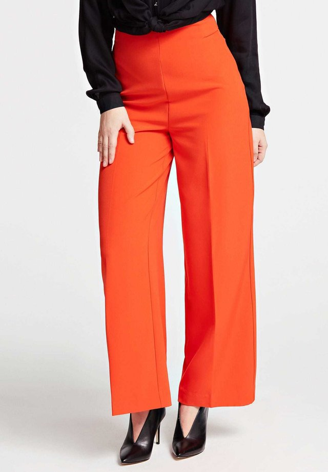 FIT AND FLARE-HOSE - Broek - orange