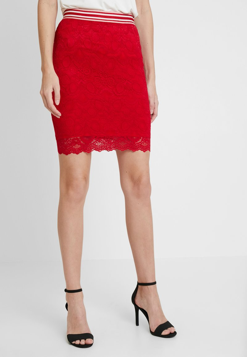 Guess - FABIOLA SKIRT - Minihame - red attitude