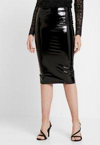 Guess - LILIA SKIRT - Pouzdrová sukně - jet black - 0