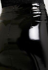 Guess - LILIA SKIRT - Pouzdrová sukně - jet black - 5