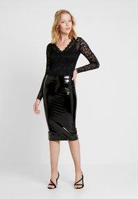 Guess - LILIA SKIRT - Pouzdrová sukně - jet black - 1