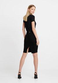 Guess - HEIKE SKIRT - Pencil skirt - jet black - 2