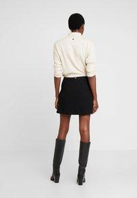 Guess - DOREEN SKIRT - Mini skirt - jet black - 2