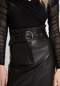 Guess - HELENE SKIRT - Kokerrok - jet black - 3