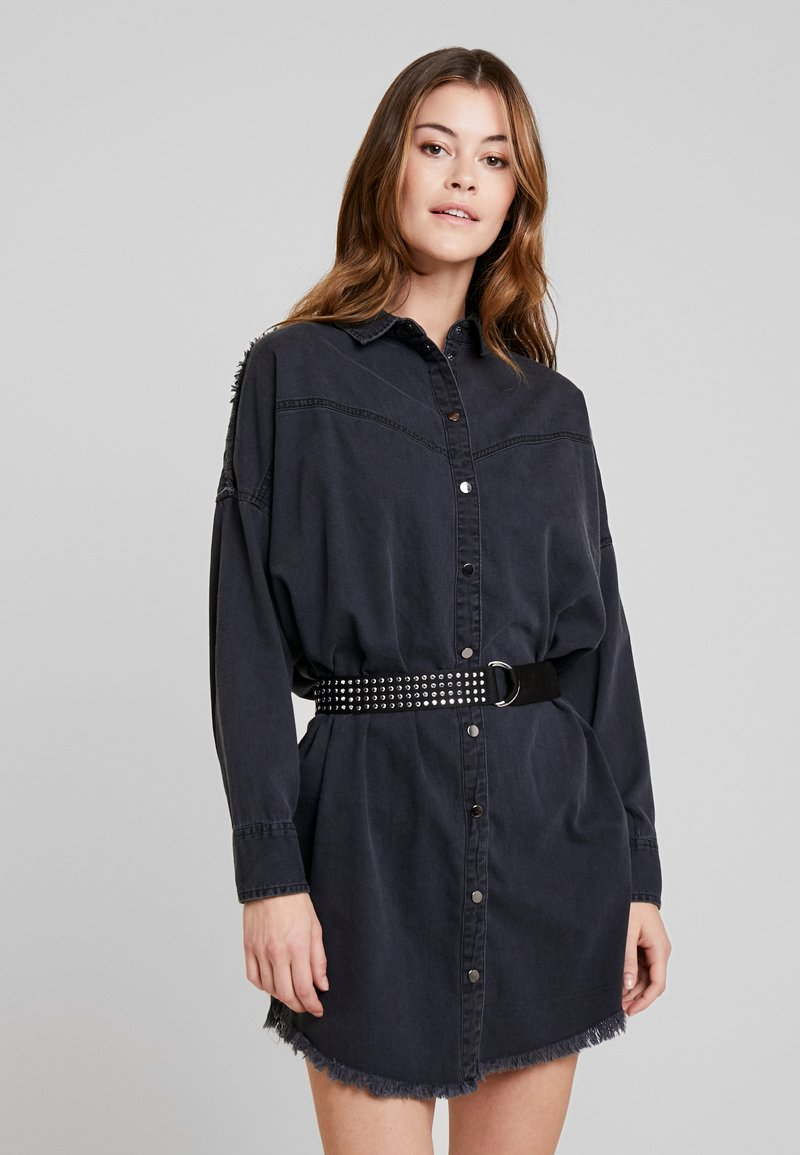 Guess - PARISIAN DRESS - Jeanskleid - black sauvage