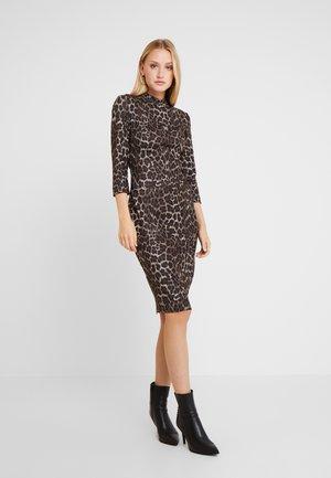 DARYL DRESS - Kotelomekko - beige/brown