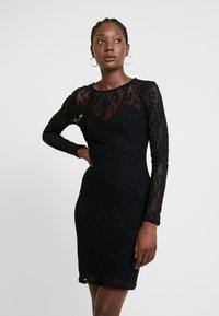 Guess - OLIVIA DRESS - Fodralklänning - jet black - 0