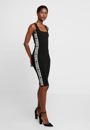 GENNY DRESS - Pouzdrové šaty - jet black