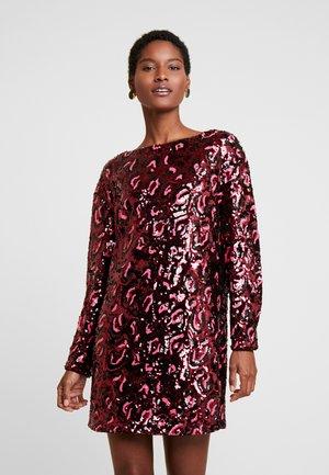 KALILA DRESS - Koktejlové šaty/ šaty na párty - burgundy