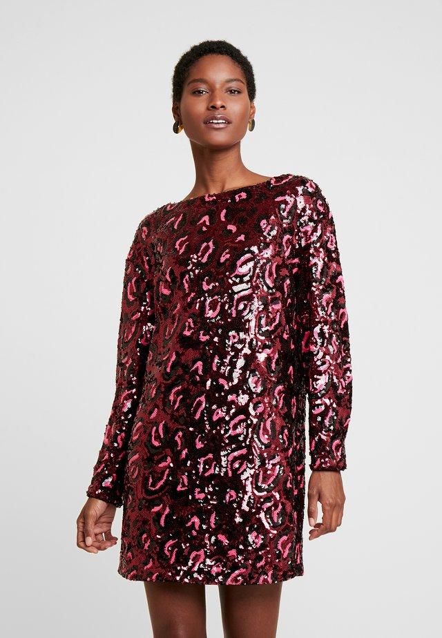 KALILA DRESS - Cocktailkleid/festliches Kleid - burgundy