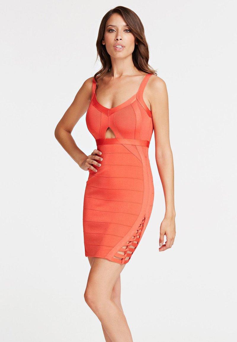 Guess - Etuikleid - orange