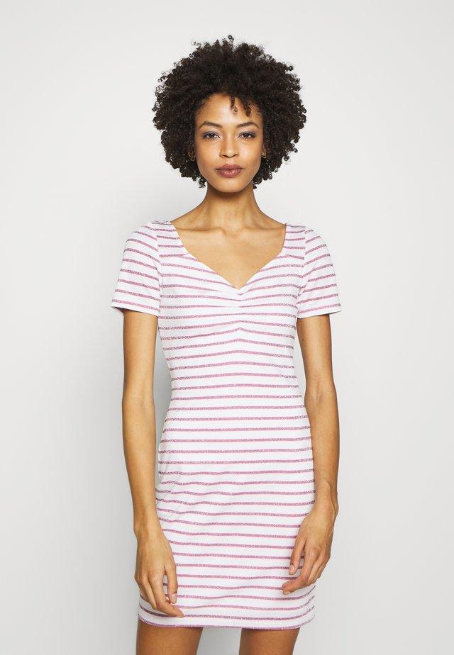 ENRIQUETA DRESS - Vestido de tubo - white/baby pink