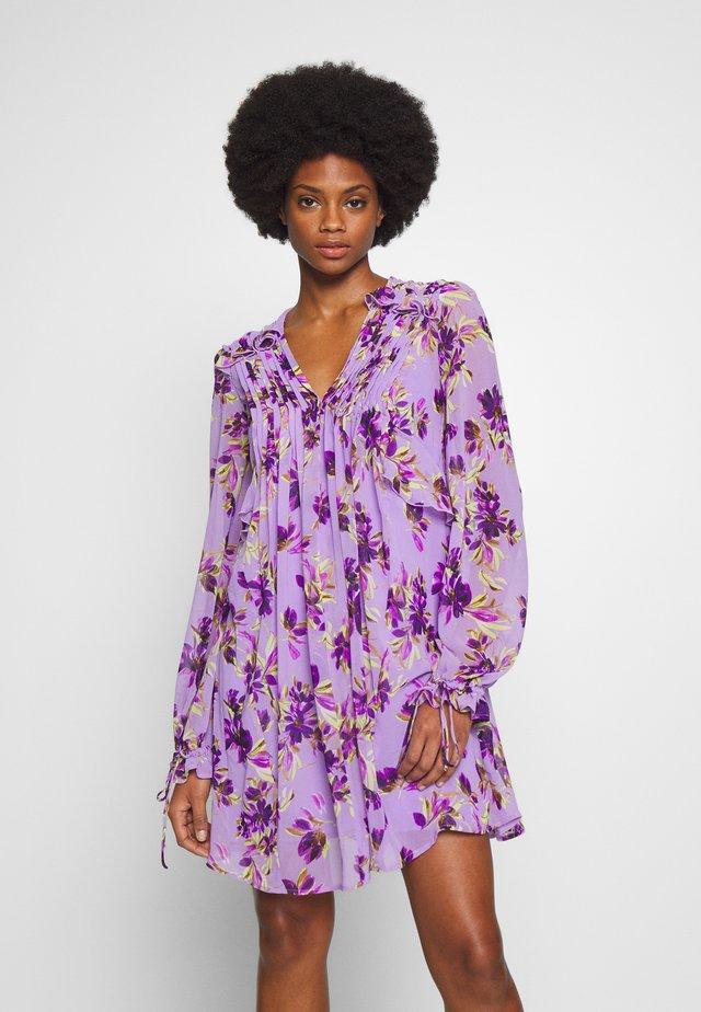 CORNELIA DRESS - Korte jurk - purple