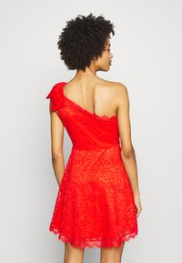 Guess - CELIA DRESS - Vestito elegante - firecracker - 2