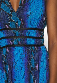 Guess - GINNY DRESS - Day dress - python rock blue - 5
