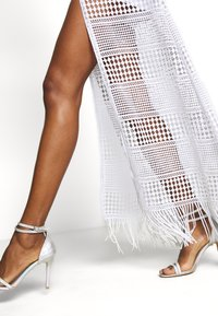Guess - EMELY DRESS - Maxikjole - blanc pur - 4