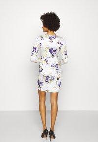 Guess - ANTHEA DRESS - Shift dress - watercolor flowers - 2