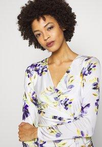 Guess - ANTHEA DRESS - Shift dress - watercolor flowers - 3