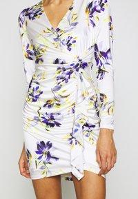 Guess - ANTHEA DRESS - Shift dress - watercolor flowers - 5