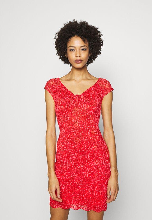 VESTA DRESS - Etui-jurk - dots firecracker
