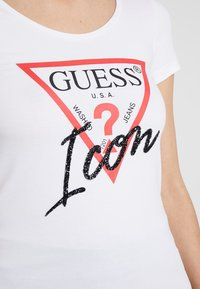 Guess - ICON TEE - Print T-shirt - true white - 5
