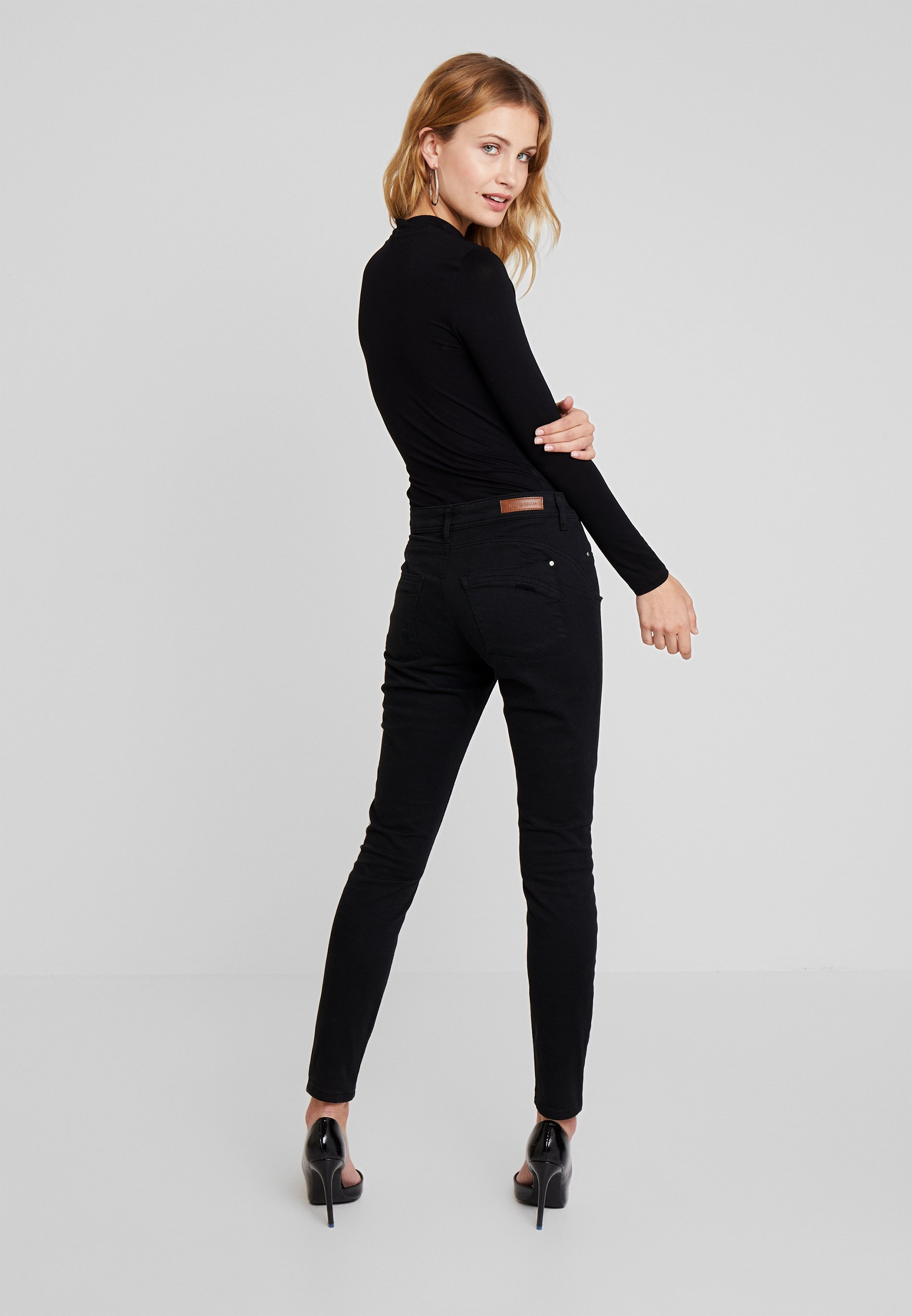 Longues À BodyT Triangle Black Leo Guess shirt Manches Jet HWE29ID