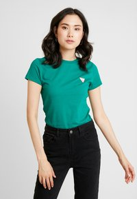 Guess - Basic T-shirt - hometown green - 0