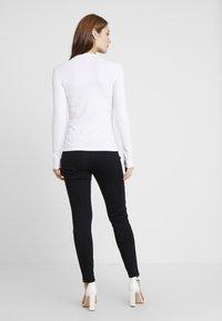 Guess - Langærmede T-shirts - true white a000 - 2