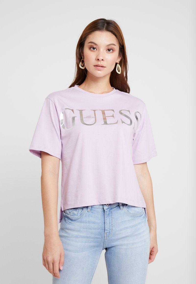 Guess - REGULAR FIT - T-Shirt print - lush violet