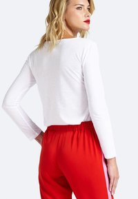 Guess - Long sleeved top - white - 2