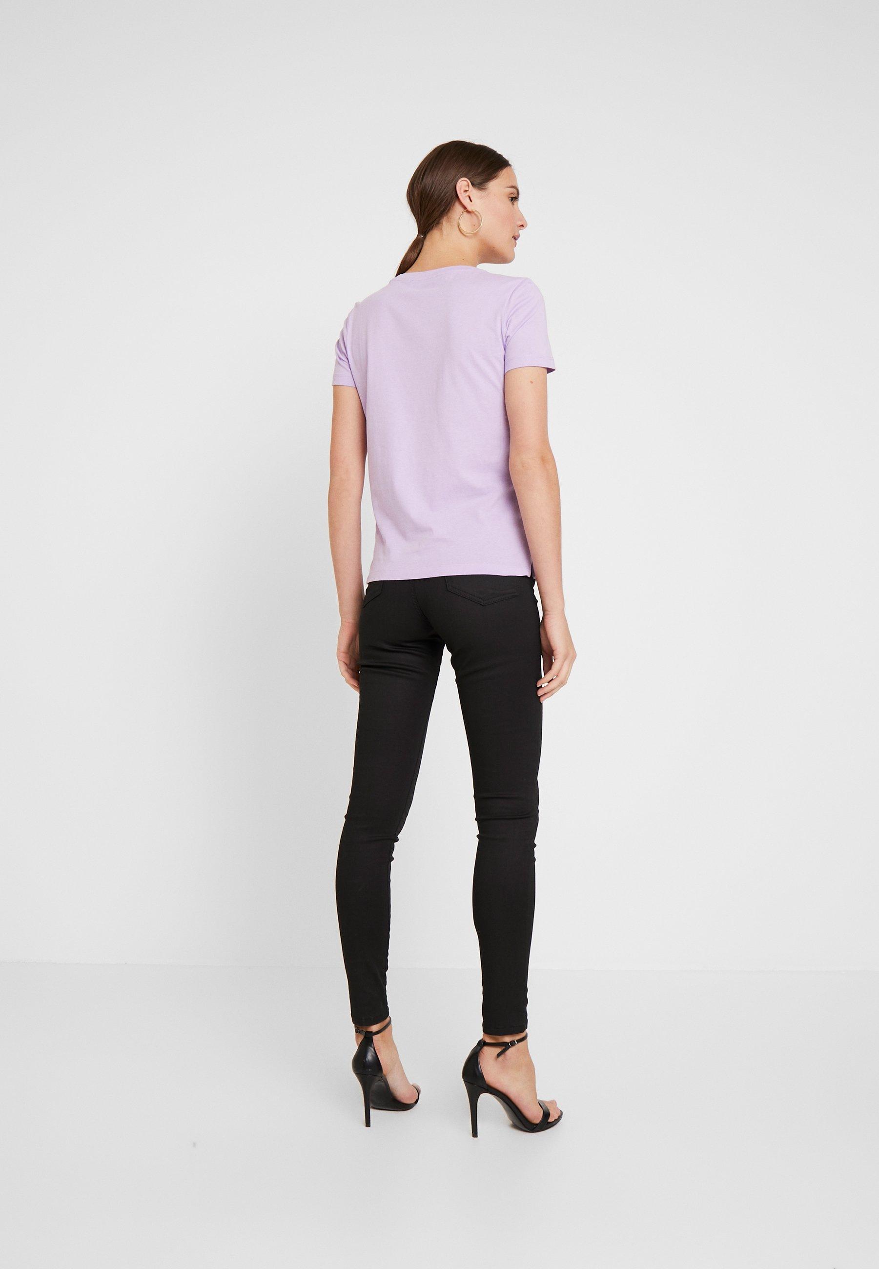 Guess CREW NECK SS - T-shirt z nadrukiem - lilac forever