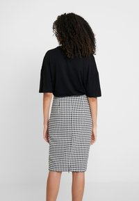 Guess - FRANZI BODY - T-Shirt print - black - 2