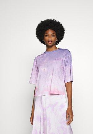 PASTEL TEE - T-shirts print - pink sky combo
