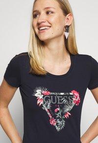 Guess - LORY TEE - T-shirt imprimé - la la night - 3