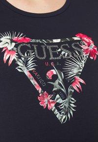 Guess - LORY TEE - T-shirt imprimé - la la night - 5