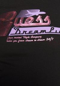 Guess - PRISCA TEE - T-shirt imprimé - jet black - 5