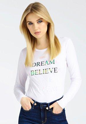 MIT LOGO VORN - T-shirt à manches longues - white