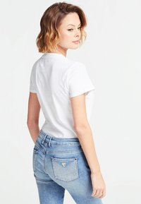 Guess - NEW YORK  - T-shirt imprimé - white