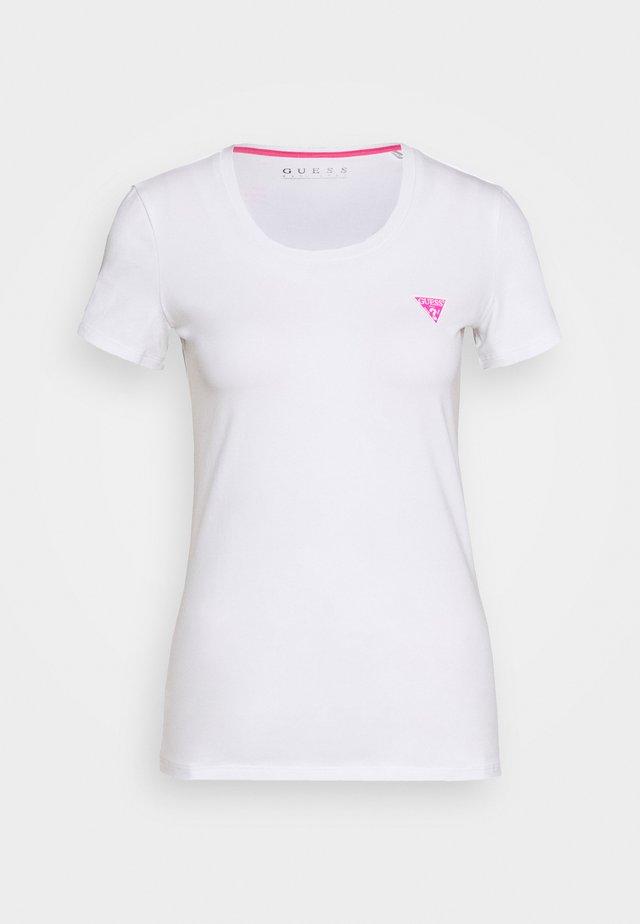 TEE - T-shirt z nadrukiem - true white