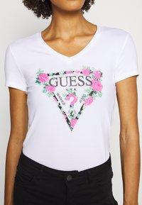 Guess - BRITNEY  - Print T-shirt - true white - 5