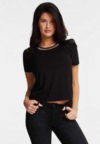 Guess - MIT KETTE - Print T-shirt - black - 0