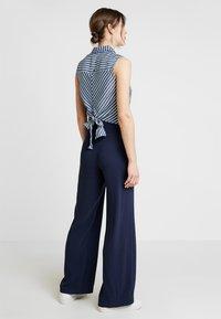 Guess - CALISTA  - Button-down blouse - pin blue - 2