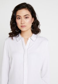 Guess - GLENDA - Camicia - true white - 3
