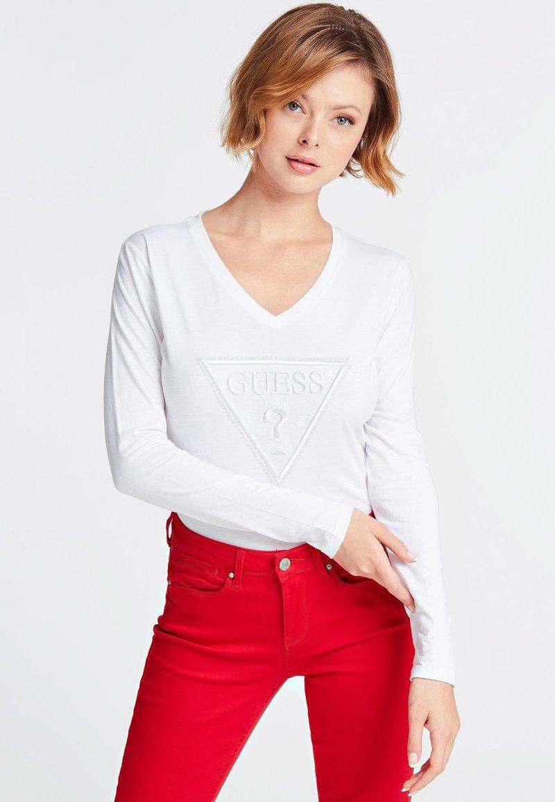 Guess - VORNE - T-shirt à manches longues - white