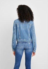 Guess - DELYA TRUCKER - Denim jacket - biscayne blue - 2