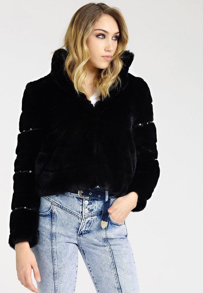 Guess - Winter jacket - black